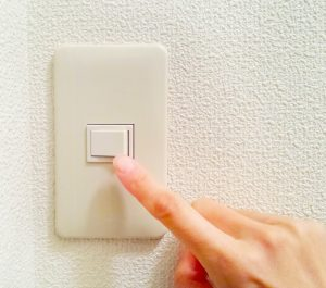 スイッチ交換(電気工事)が必要となる故障事例・対策とタイミング